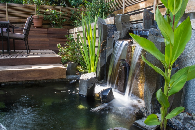 SW Alice St, 97219 asian water feature