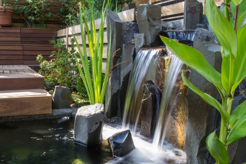 modern japanese water feature