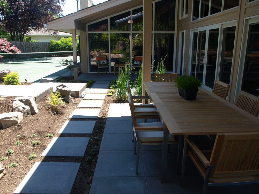 outdoor-dining-patio.JPG