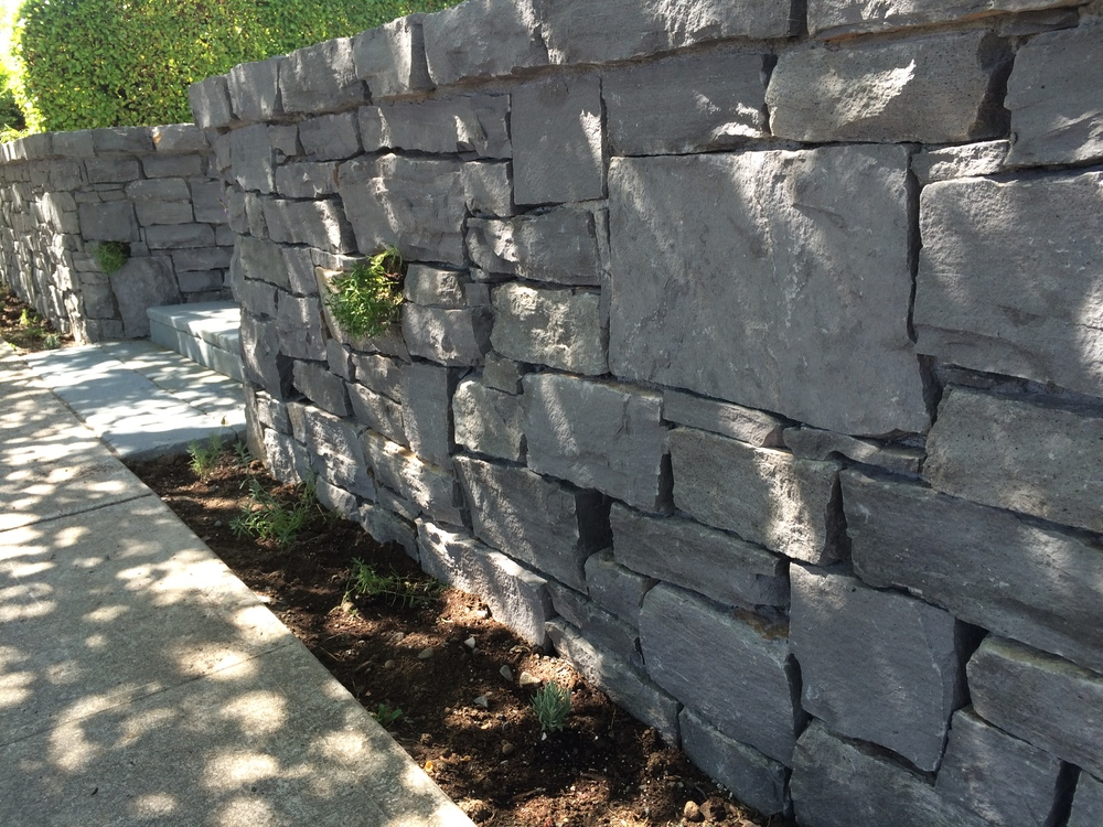 stone-retaining-walls.JPG