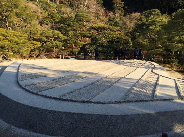 sand-garden-japanese.jpg