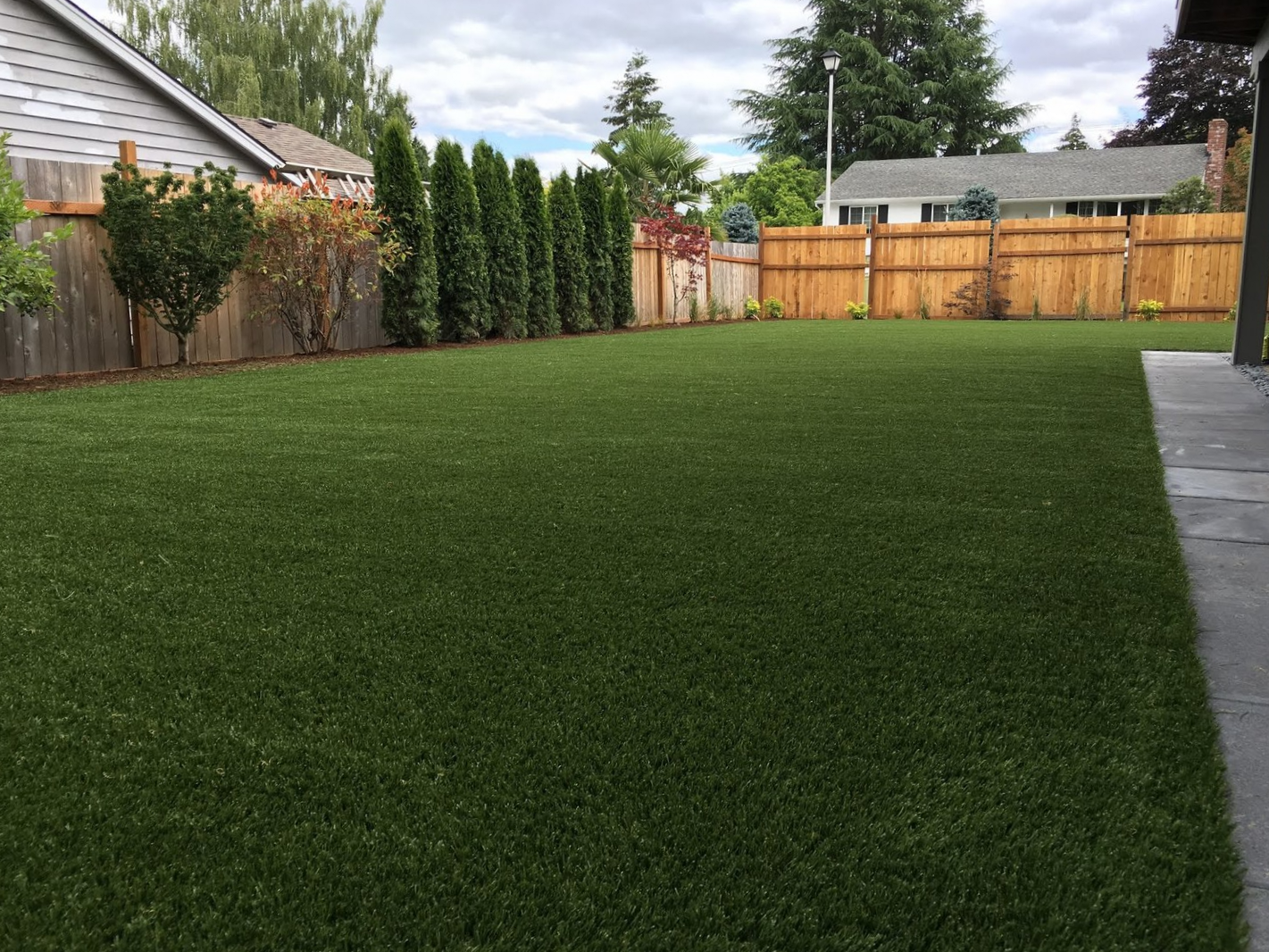 10 Reasons To Think Twice About Artificial Turf (From A Designer Who