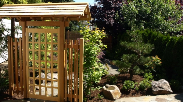 garden structures and screens