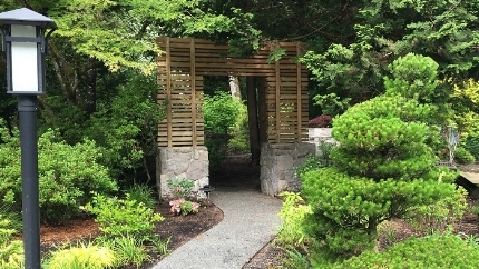 moon gate japanese garden