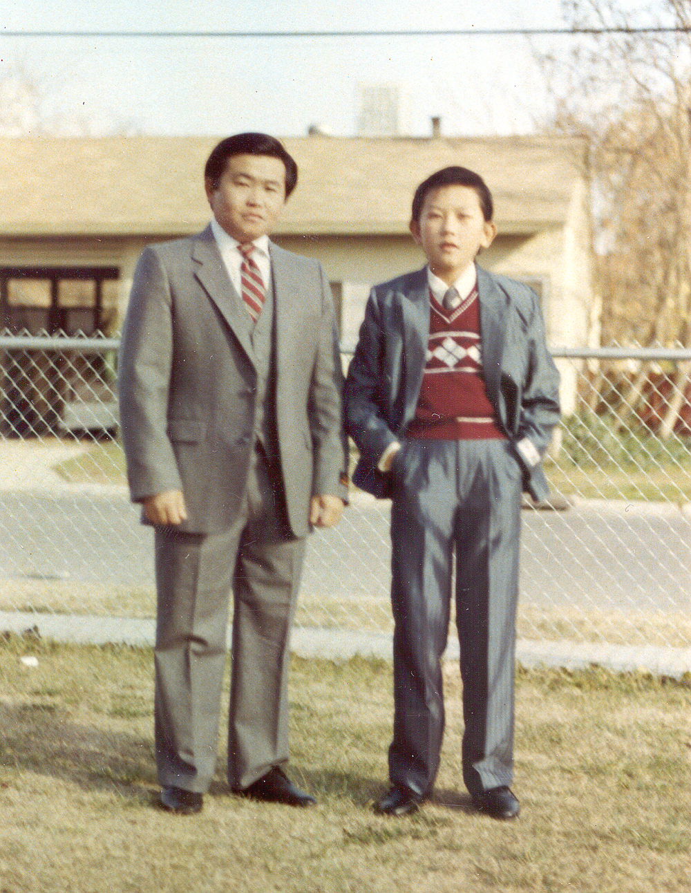 20010122-dad_and_vang_in_suit_at_pinedale.jpg