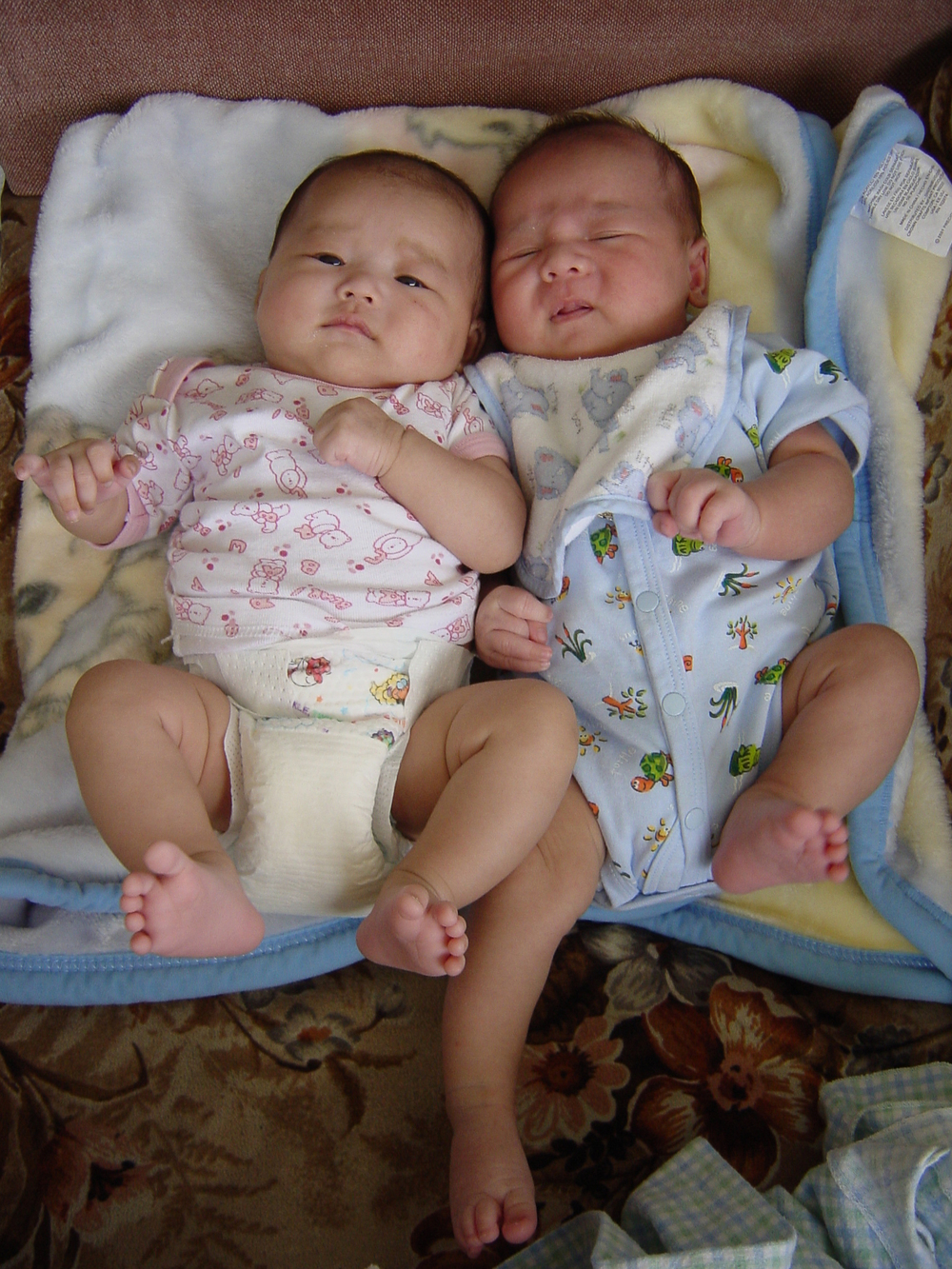 20030525-naya and jaiden03.jpg