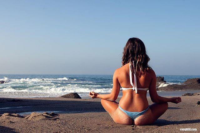 Thank goodness it's Monday! Model: @alicia.taylor.menendez  #modelmonday #calm #peace #zen #beachbum #ohmmm #vangherphotography #vangher