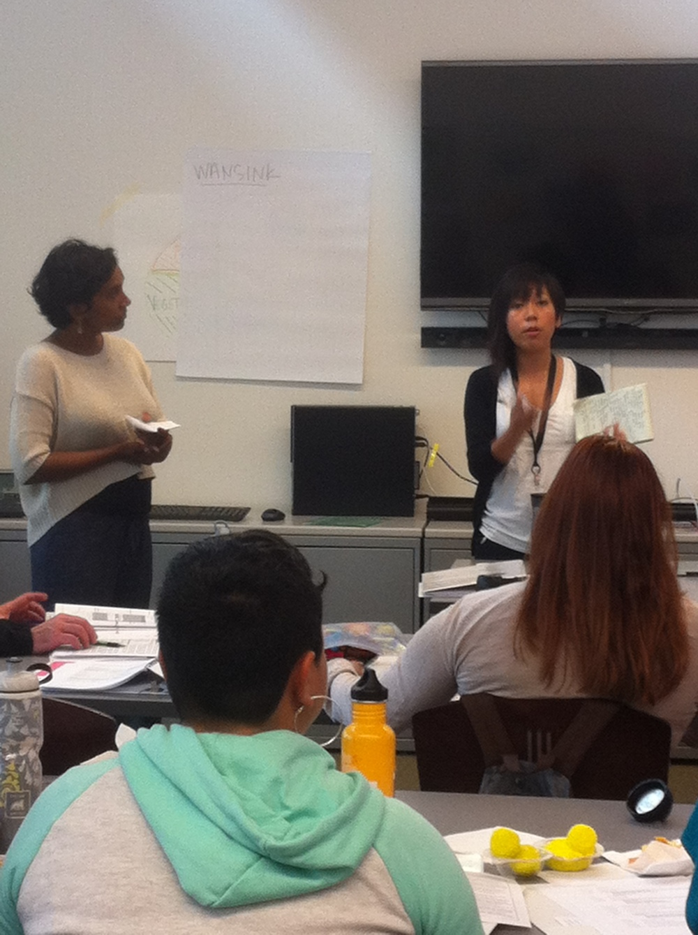 Leah's Pantry Programs Manager Monica Bhagwan and Registered Dietician My Tu Duong teaching students during our Spring 2015 Food Smarts Training Program Workshop