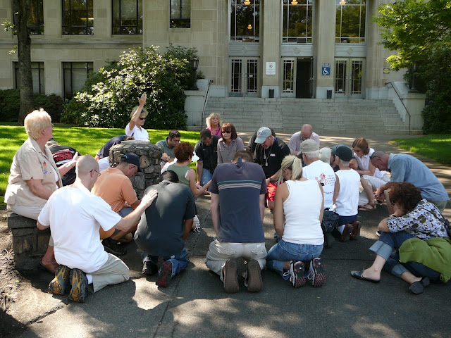 6-Declairing the National Prayer of Repentance at the County Court house.jpg