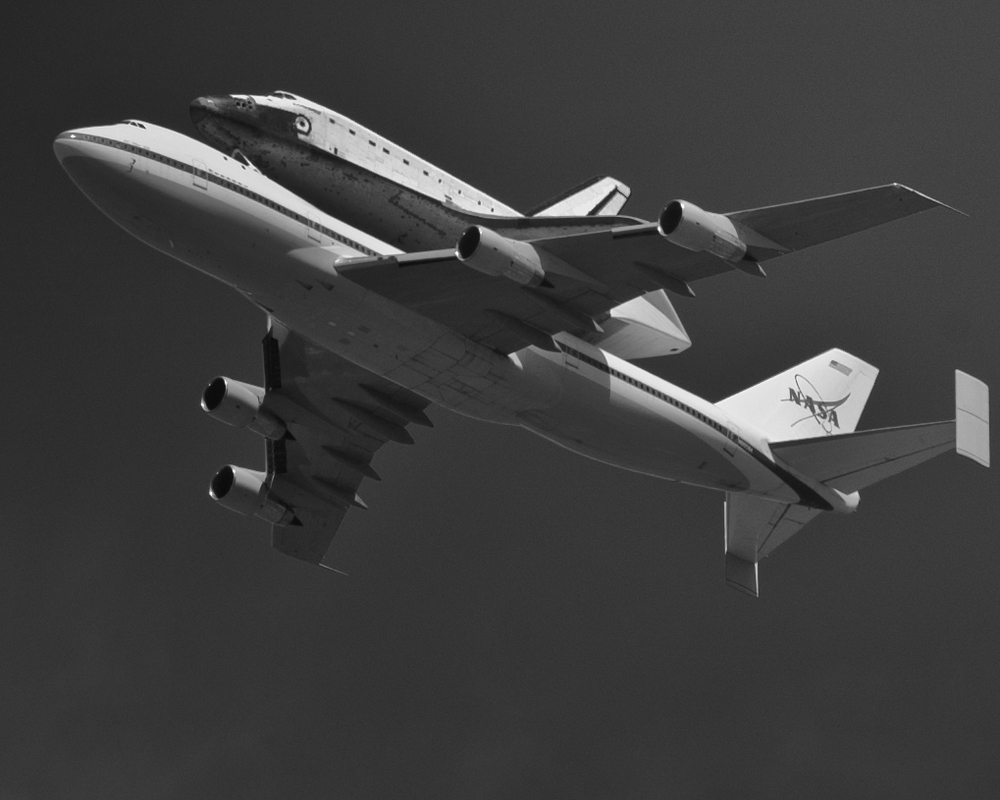 Endeavor over LA-20120921071-017.jpg