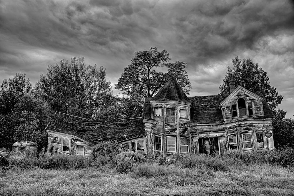 Halloween 2013 spooky house 2 (1 of 1).jpg