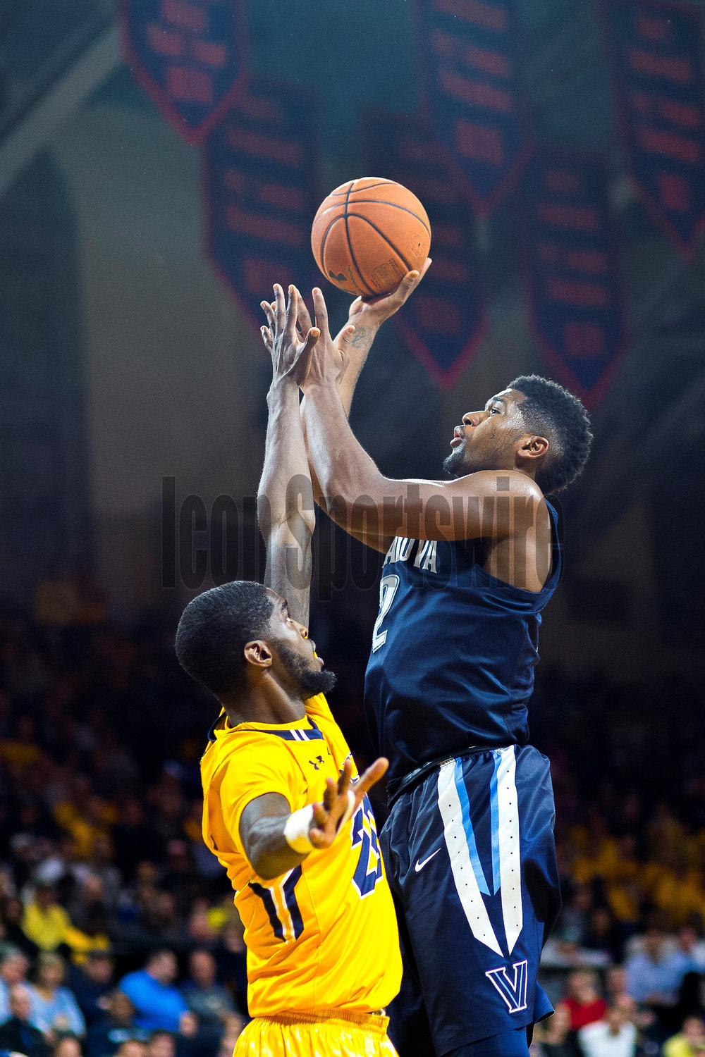PHILADELPHIA, PA - DECEMBER 06: Villanova Wildcats forward Kris Jenkins (2) fires his jumper during the game between the LaSalle Explorers and the Villanova Wildcats on December 06, 2016 at the Palestra in Philadelphia PA. (Photo by Gavin Baker/Icon Sportswire)
