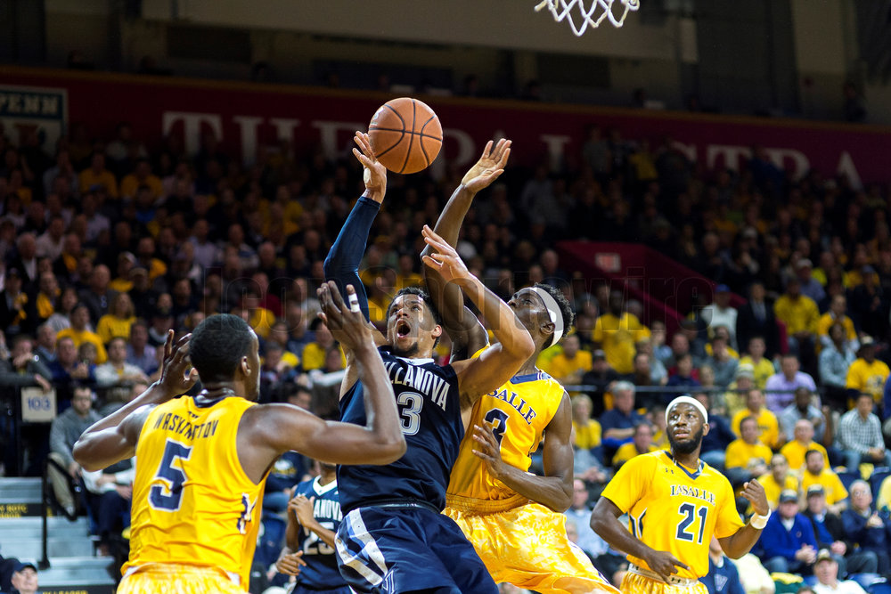 PHILADELPHIA, PA - DECEMBER 06: Villanova Wildcats guard Josh Hart (3) fires his shot crowed beneath the basket during the game between the LaSalle Explorers and the Villanova Wildcats on December 06, 2016 at the Palestra in Philadelphia PA. (Photo by Gavin Baker/Icon Sportswire)