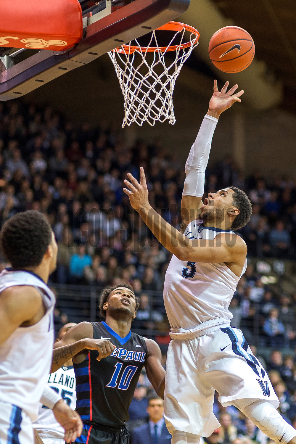 VILLANOVA, PA - DECEMBER 28:  Villanova Wildcats guard Josh Hart (3) releases his lay up during the game between the Villanova Wildcats and the DePaul Blue Demons on December 28, 2016 at The Pavilion in Villanova PA.(Photo by Gavin Baker/Icon Sportswire)
