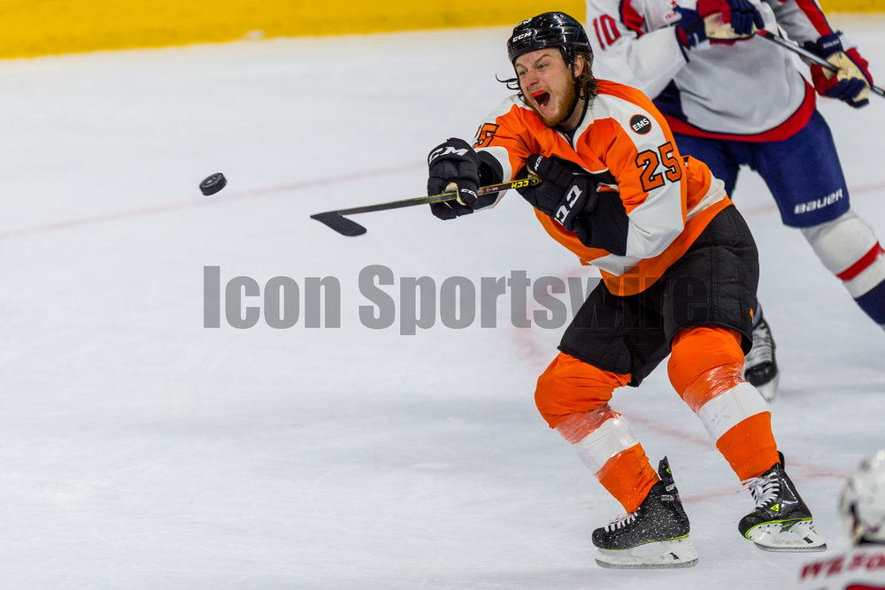 18 April 2016: Philadelphia Flyers center Ryan White (25) yells as he tries to stop the puck in mid air during the NHL playoff game between the Philadelphia Flyers and the Washington Capitals played at the Wells Fargo Center in Philadelphia, PA. (Photo by Gavin Baker/Icon Sportswire)