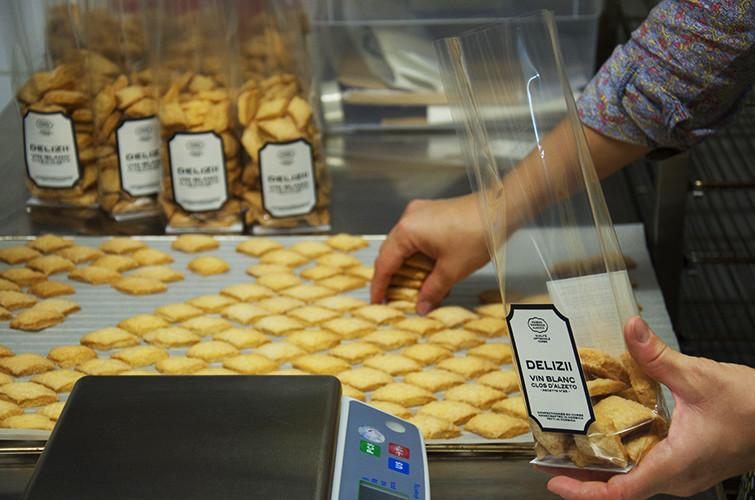 maison-camedda-delizii-biscuits-artisanaux-corses-vin-blanc-noisettes-ajaccio-17.jpg