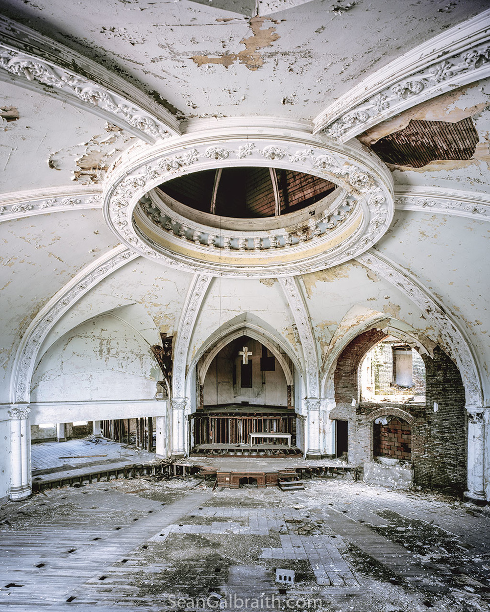 Sean_Galbraith_Photography_White_Room.jpg