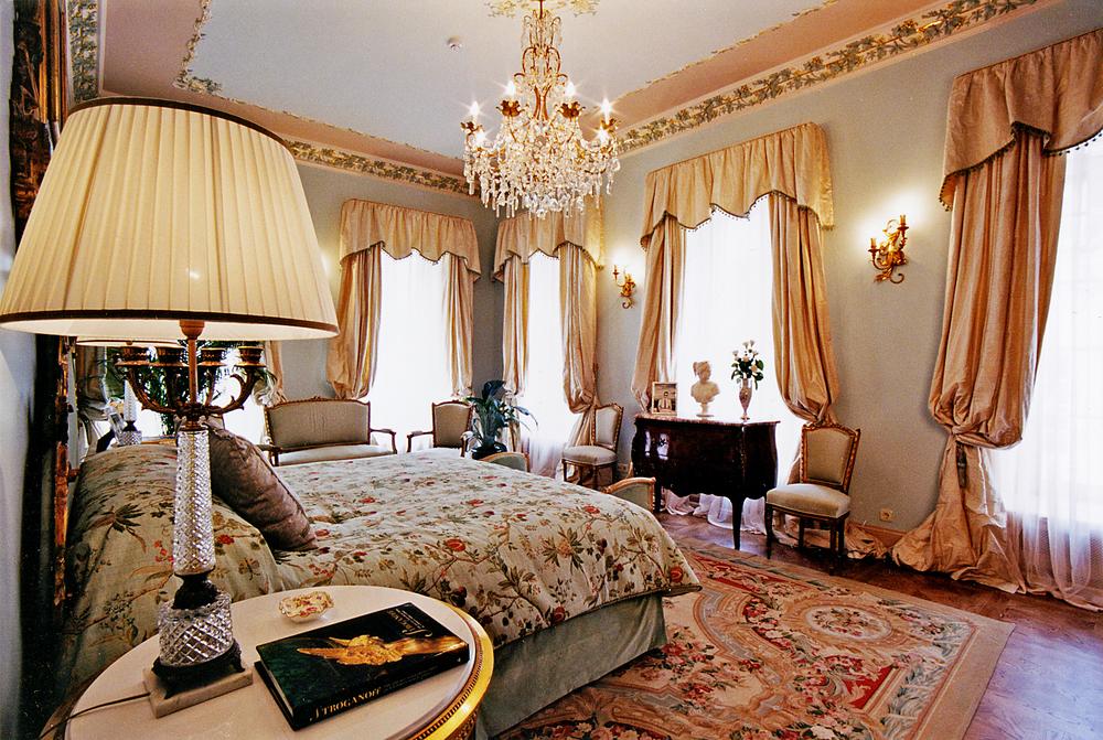 Palace F.jpg