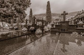 Bill McAllister,Cemetery in Rain, Galicia