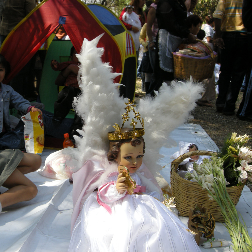 Bernadette_Felber,_Ni241;o_Jesus,_Xochimilco_II,_Mexico_2008,_photo on canvas,_cm_50x50.jpg