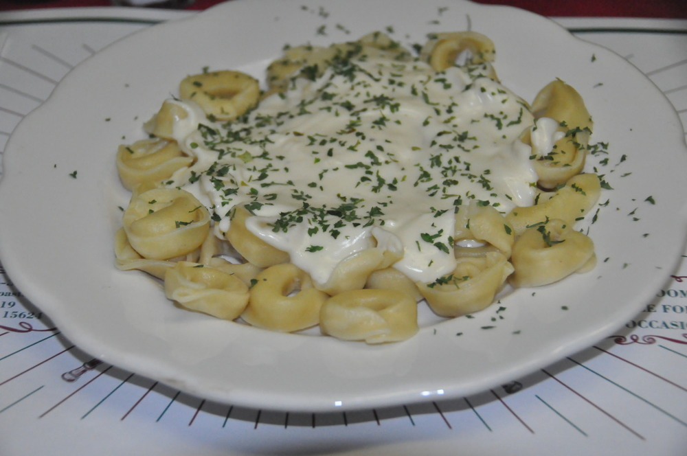 Cheese Tortellini in Alfredo Sauce