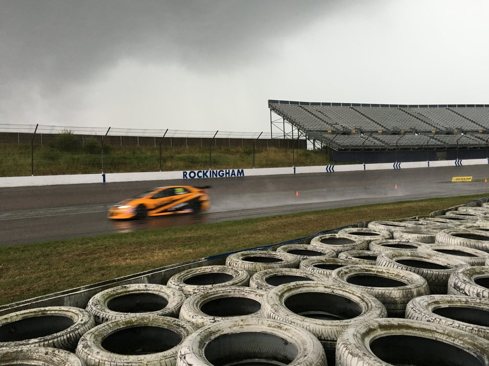 Gordon Shedden joins a sodden track in the Qualifying rain