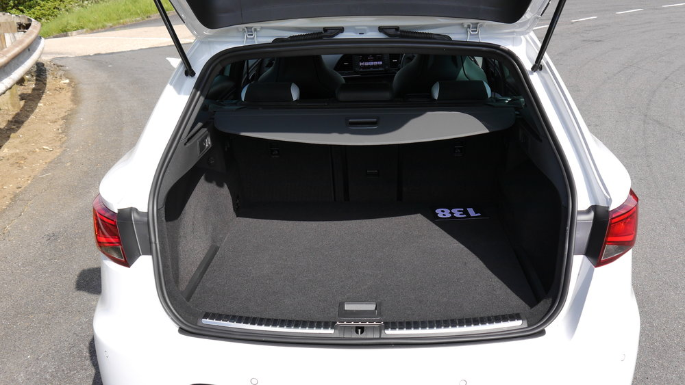 Luggage space is large, flat and easy to access