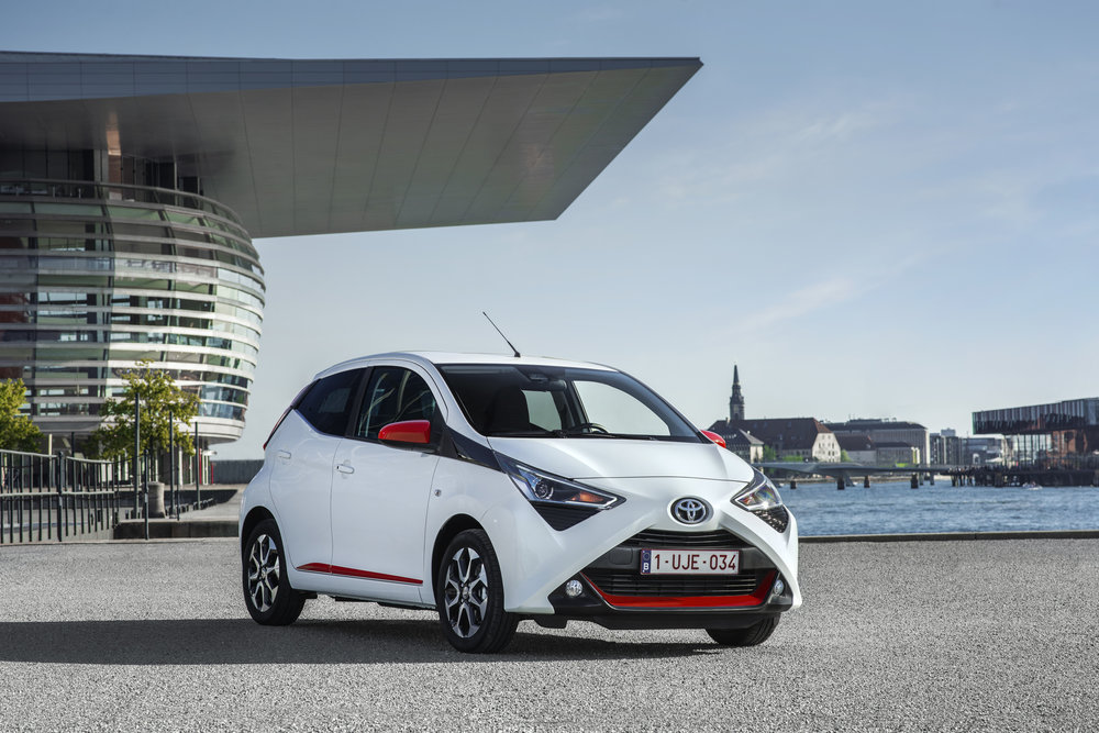 Front of the revised Aygo x-press