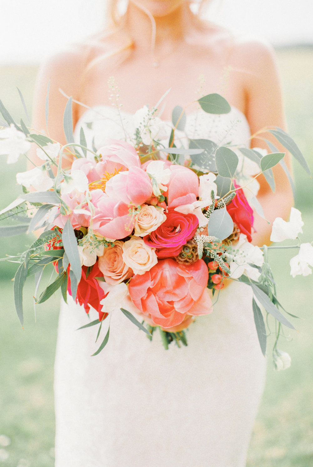 Jennifer and Fergus's Beautiful and Relaxed Cotswolds Wedding