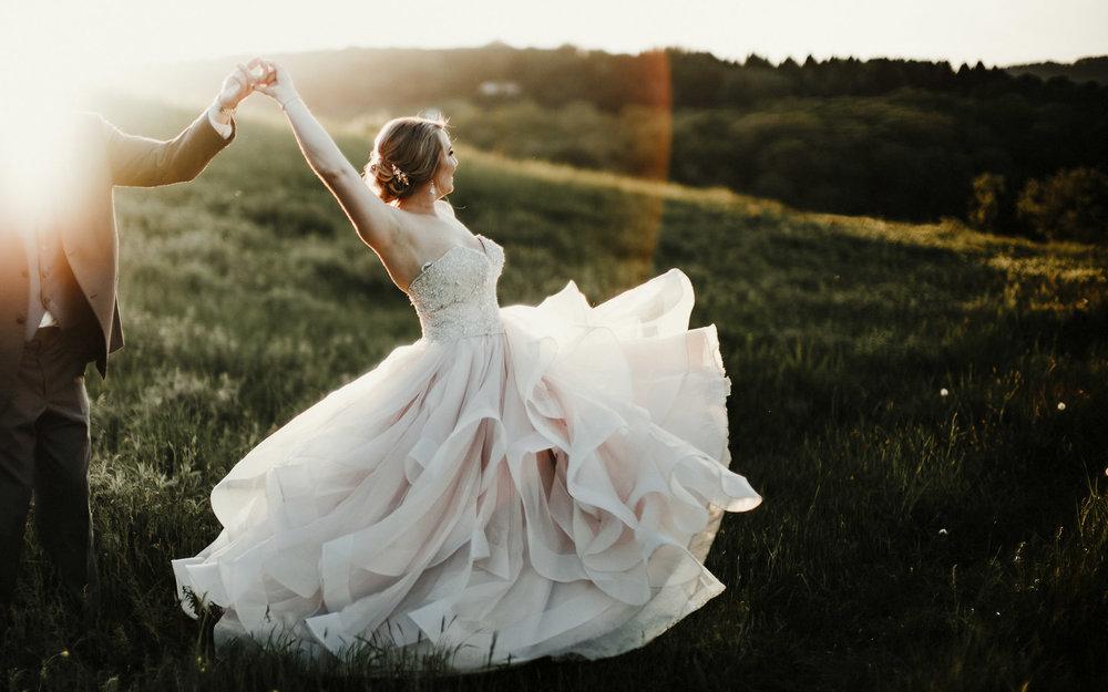 Twisted-oaks-studio-rustic-farm-wedding-0024.jpg