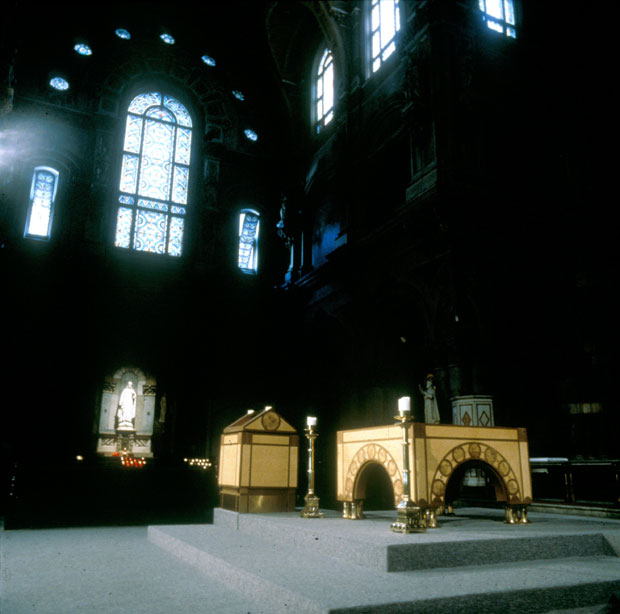 St-Francis--Xavier-Sanctuary01.jpg