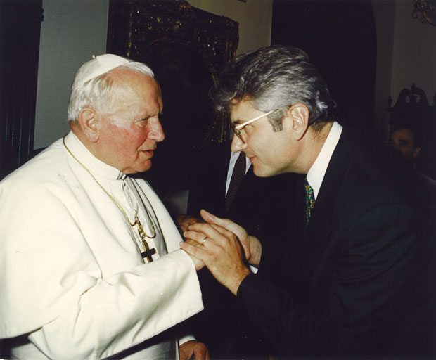 John-Paul-II-AJS-in-Private-Audience-with-John-Paul-II.jpg