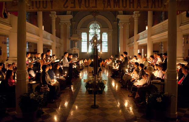 St-Pauls-Chapel-10_Easter_Vigil_SOREL-34.jpg