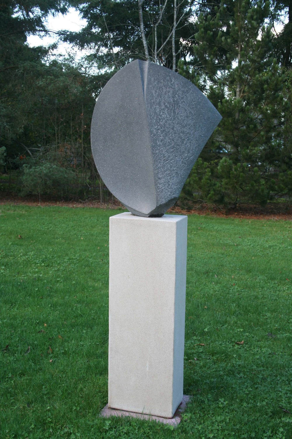shield sculpture 001-1.JPG