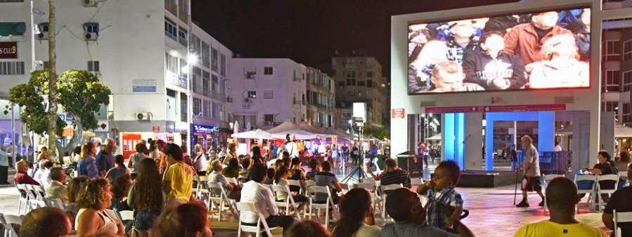 "KOL HASHON Newspaper, Israel ""Thousands attend AVI"" (Public Video Art Exhibition)"