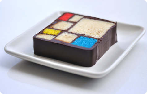 above: A slice of the widely-reknowned SFMoMA Mondrian cake ( img source )