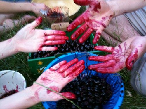 red-hands