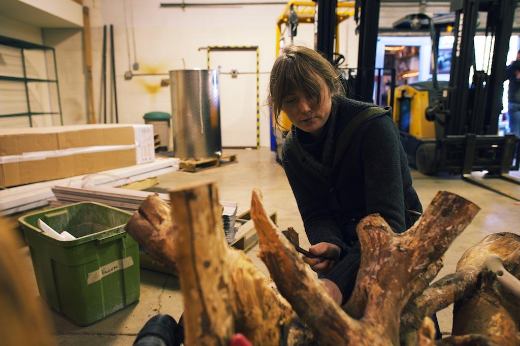 Jen-works-on-stump