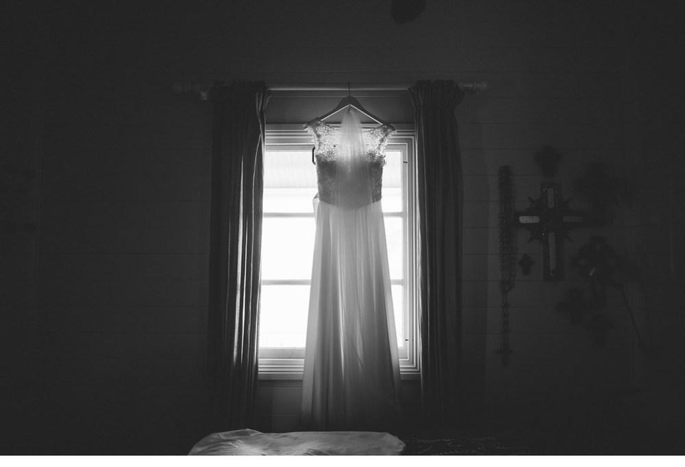 MORGANROBERTS_ROBBIEANDBEC_BYRONBAY_WEDDING_028.jpg