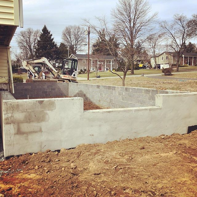 Rock solid foundation. Can't wait to see the framing go up from here.