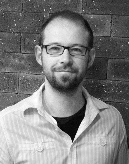 MICHEL MOTTA Mestre em Branding pela Universidade Elisava School of Design em Barcelona. Em seus 15 anos de experência trabalhou em agências de publicidade e de design como: Grey, G2 Brasil ambas do grupo WPP, entre outras. Atualmante é Diretor de Criação da agência Make.