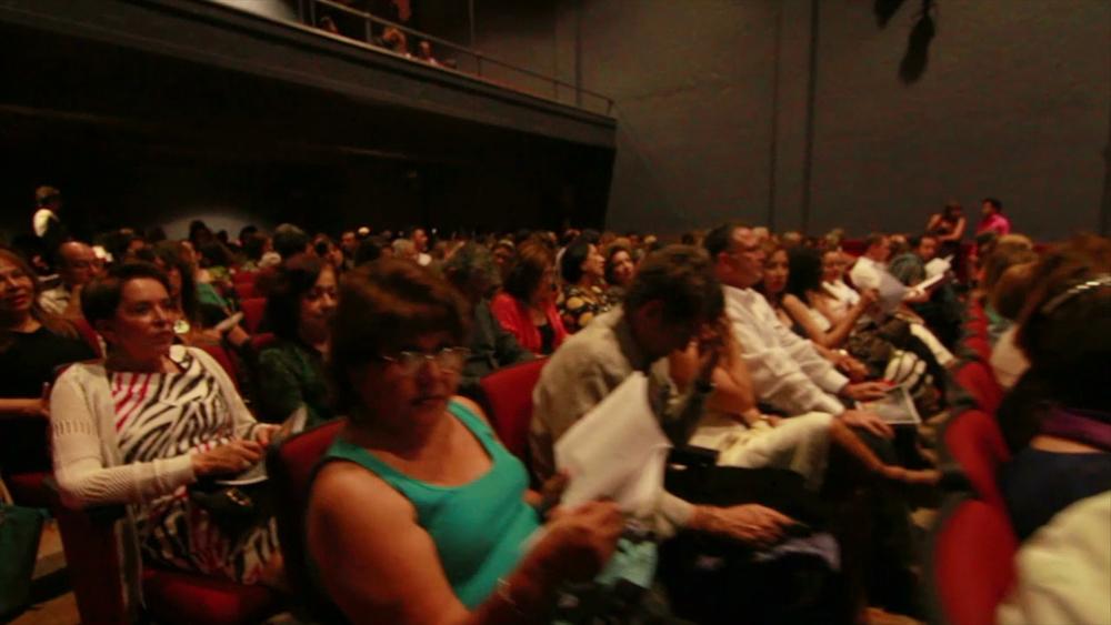 #crowd2.jpg