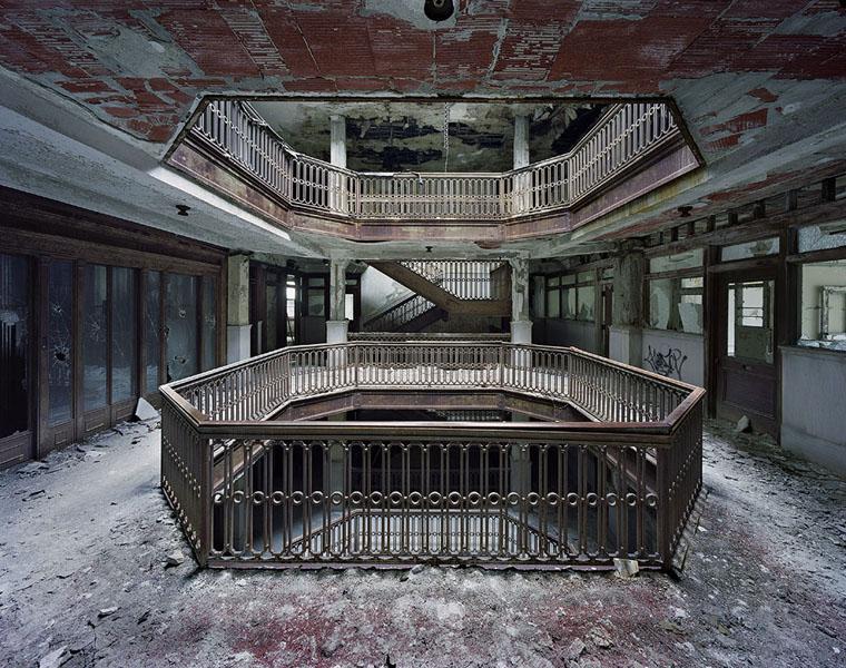 Ruins of Detroit 03.jpeg