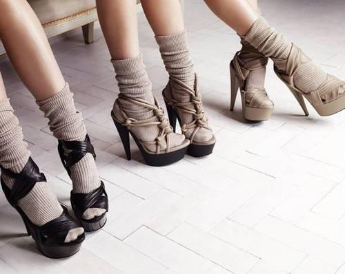 monochrome heels.jpg