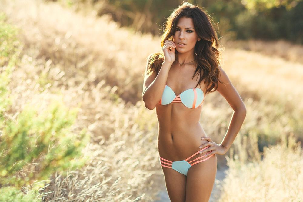 Natacia_060414_Bikinis-13.jpg