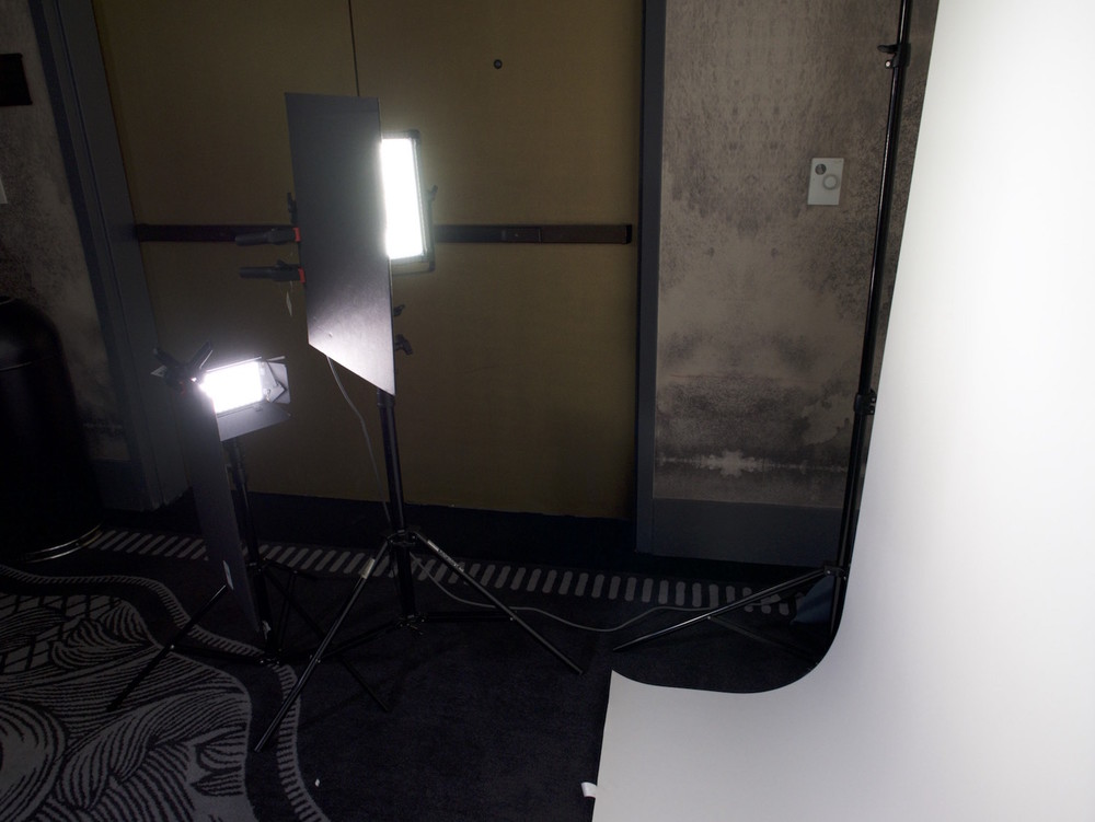 Behind the scenes lighting for a white seamless backdrop