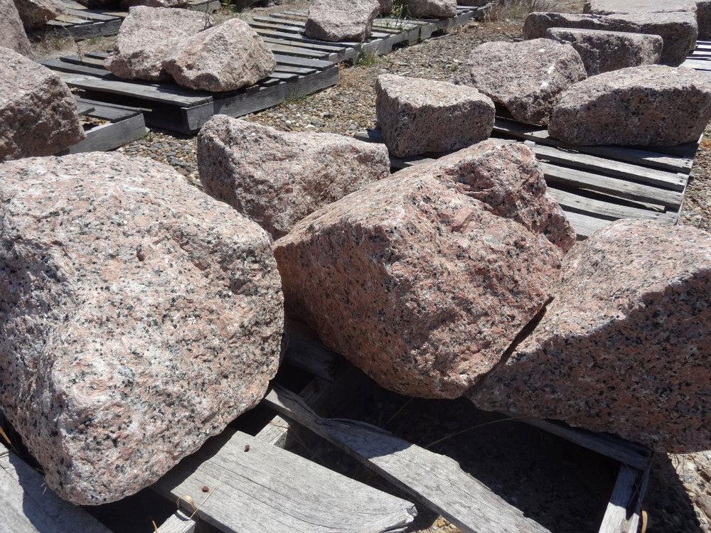 Red Granite Boulder : Pink granite boulders