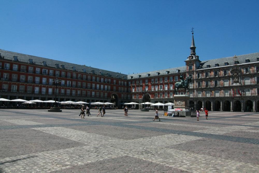 The expansive Plaza Mayor.