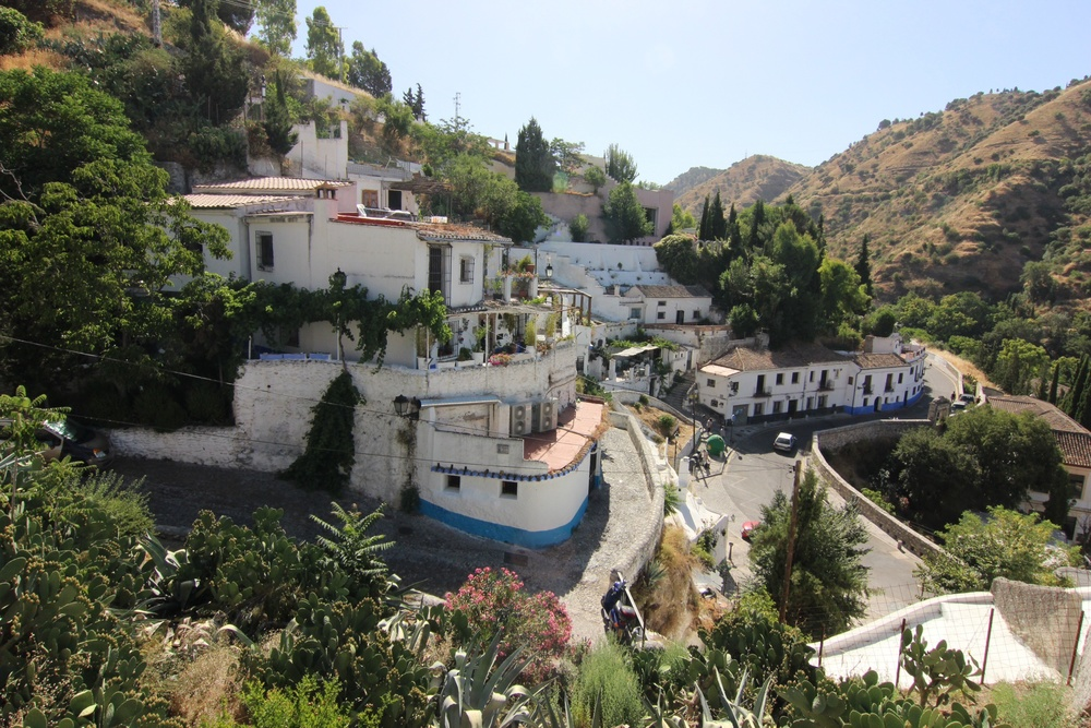 Sacromonte up close.