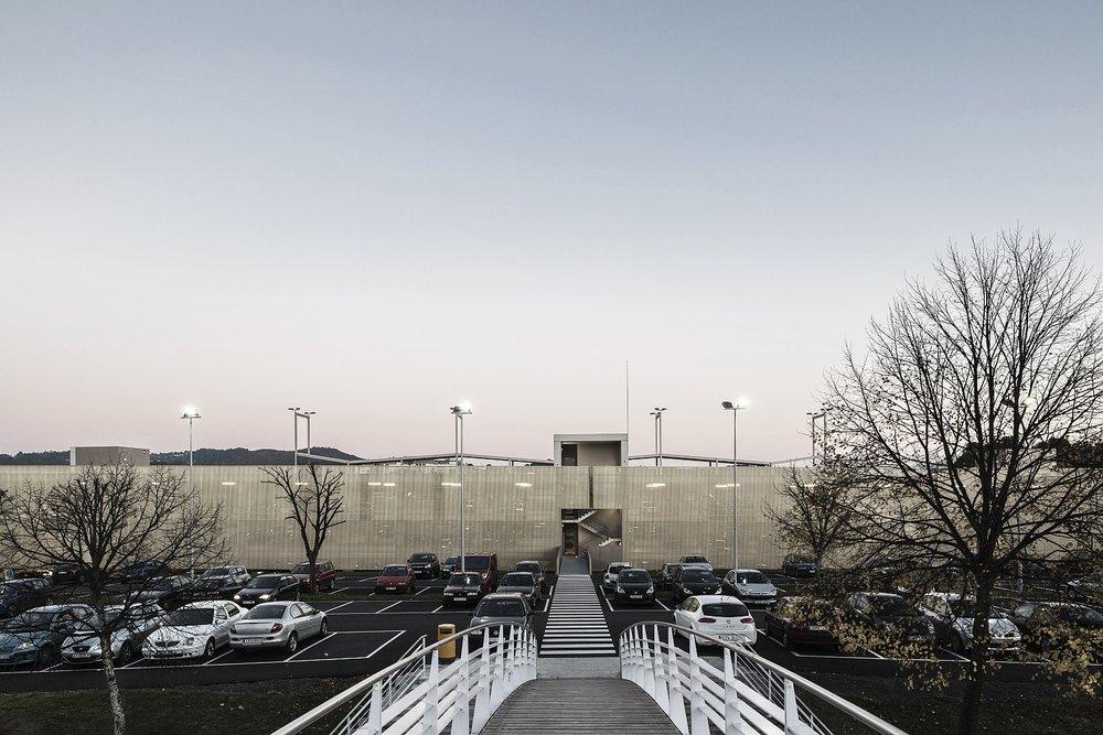 JAAM - edificio de aparcamientos